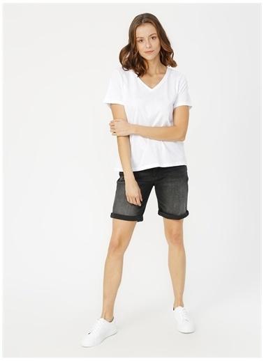 Limon Company Alfa Sırt Baskılı V Yaka Pamuklu Regular Fit Kadın Tshirt Beyaz